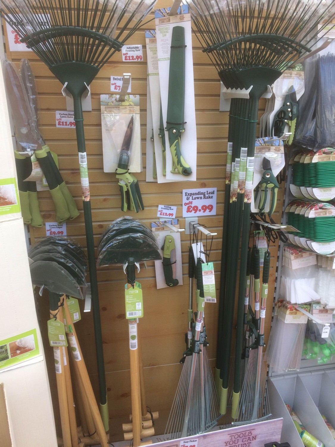 gardening-tools-sharnford-garden-centre-06